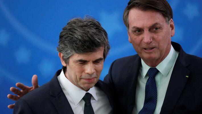 O presidente Jair Bolsonaro e o atual ministro da Saúde, Nelson Teich