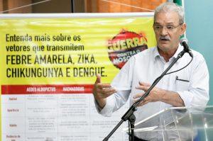 """Secretário de Estado de Saúde, Geraldo Resende, afirma:  """"Aproveite o isolamento social para verificar nas residências se existe o criadouro do mosquito da dengue""""."""