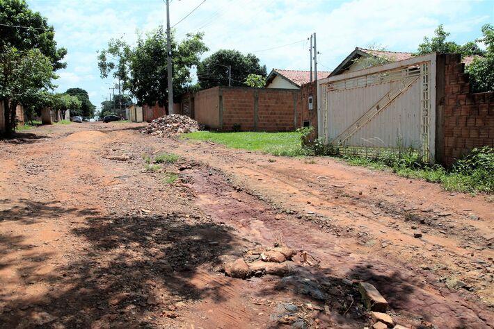 Rua no Moçambique, no Jardim Centenário em Campo Grande