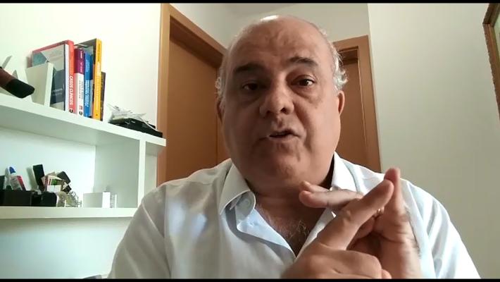 Médico psiquiatra José Souza
