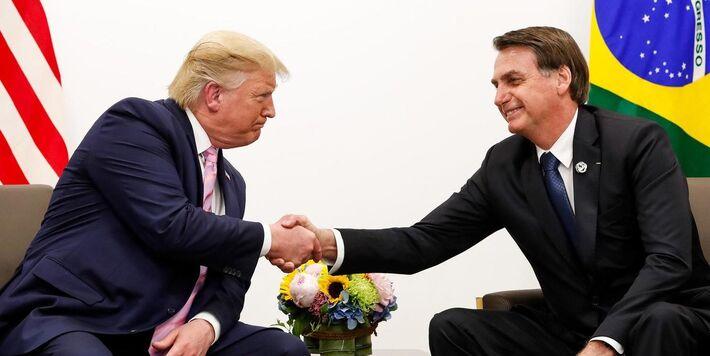 Presidente Jair Bolsonaro fez mais um gesto de apoio ao presidente norte-americano, Donald Trump