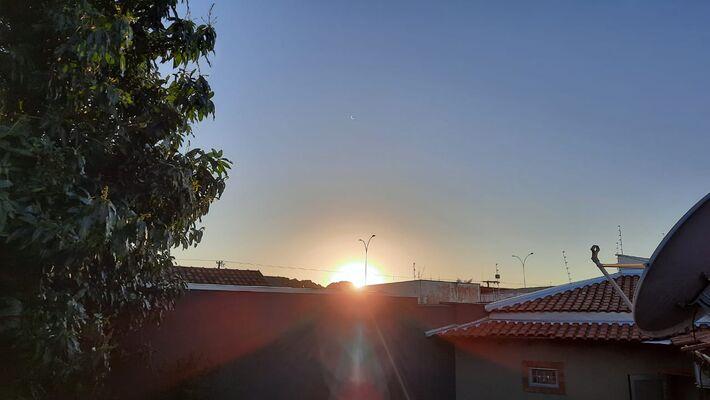 Nascer do Sol às 6h12 deste dia 16 de junho em Campo Grande - MS