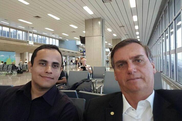 Tercio Arnaud Tomaz, assessor de Jair Bolsonaro que foi integrante do gabinete de Carlos Bolsonaro na Câmara; filho do presidente mantém aliados em cargos no Planalto