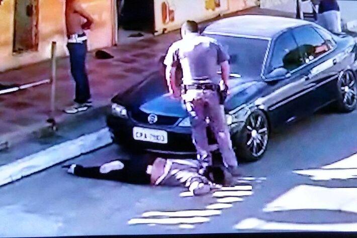 Um vídeo gravado por moradores, exibido pelo Fantástico, da TV Globo