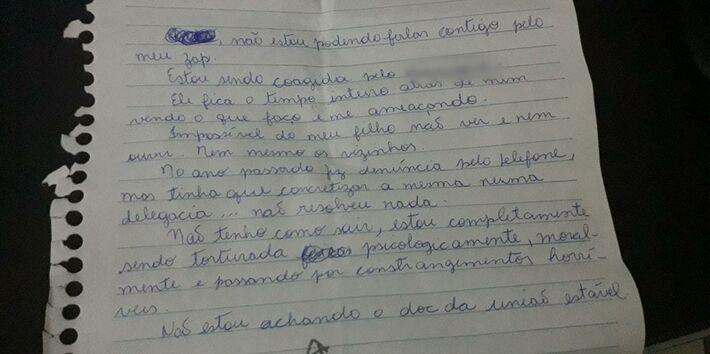 Bilhete escrito pela vítima ajudou policiais da DEAM-Oeste a prender homem suspeito de manter a mulher sob cárcere na Zona Oeste do Rio