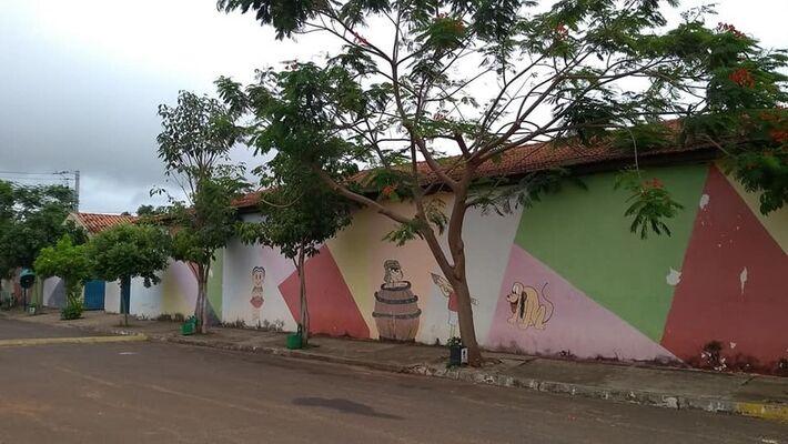 Escola estadual em que o professor atuava, em Água Clara (MS)