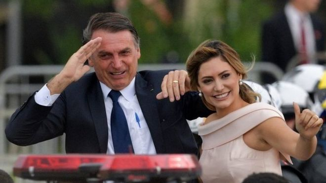 Quebra de sigilo fiscal de Queiroz e sua mulher mostram que primeira-dama recebeu 27 depósitos entre 2011 e 2016.