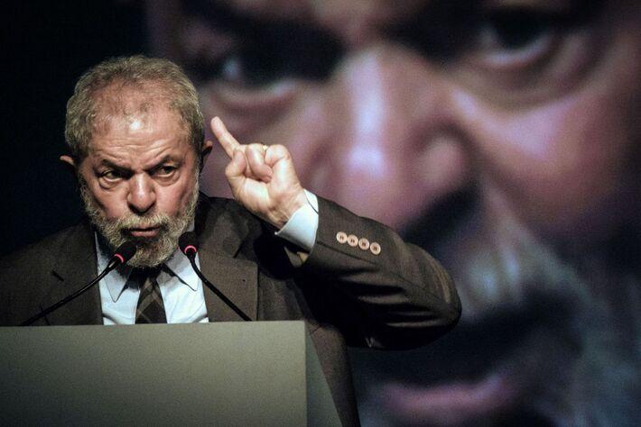 Lula fala em congresso de industriais no Rio, em 2016. Quando obrigou o ex-presidente a depor, a Lava Jato tinha em mãos um inquérito sigiloso contra ele obtido por fora dos meios formais de compartilhamento de provas.