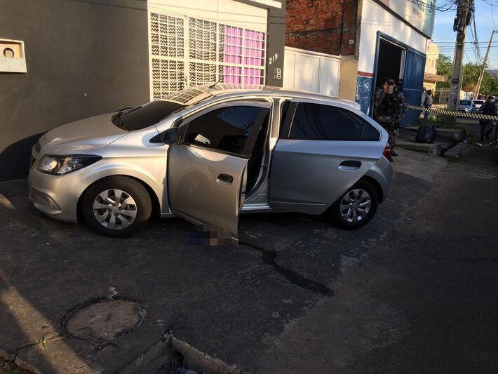 Homens são mortos dentro de carro na Zona Leste de Teresina