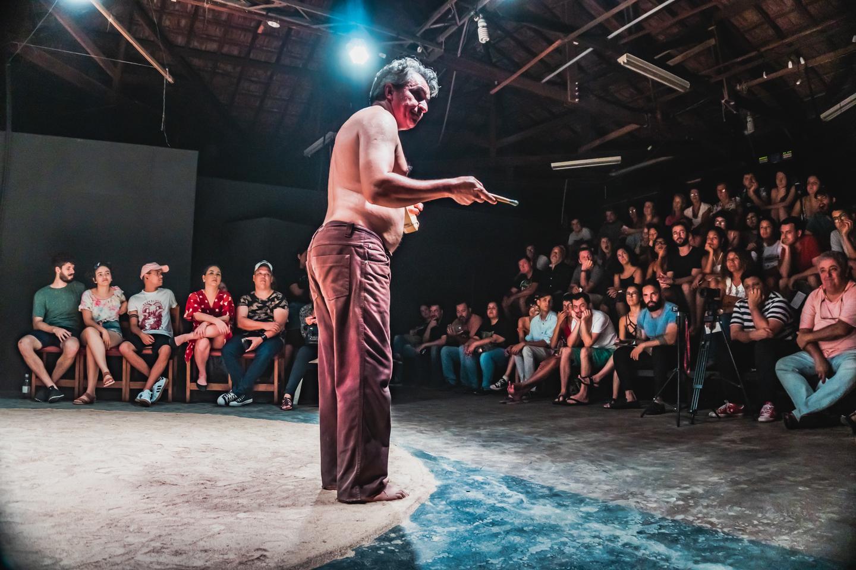 Durante apresentação de espetáculo