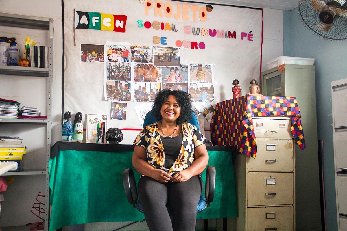 Rosana Anunciação, presidente de honra da Associação Familiar da Comunidade Negra São João Batista, sendo entrevistada no Quilombo em Atividade