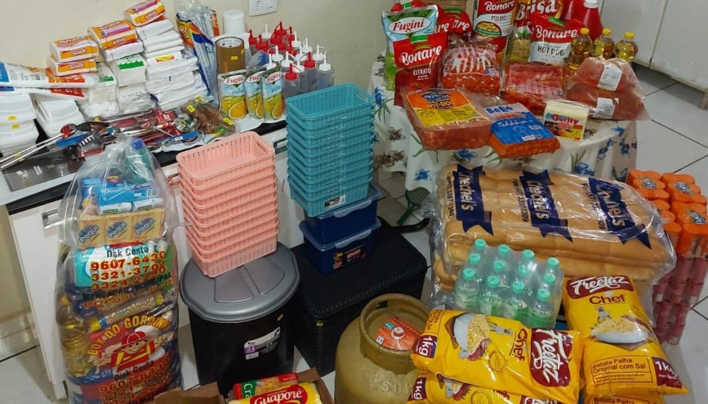 Produtos recebidos em doações solidárias