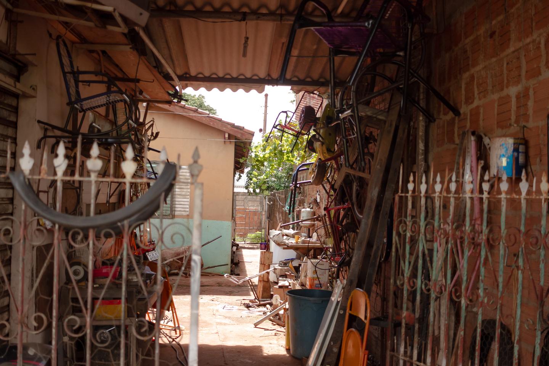 Casa onde ficava a conveniência, na Rua Zita Rosa Chaco, no loteamento Alto da Boa Vista, Região do Jardim das Naçãoes, em Campo Grande