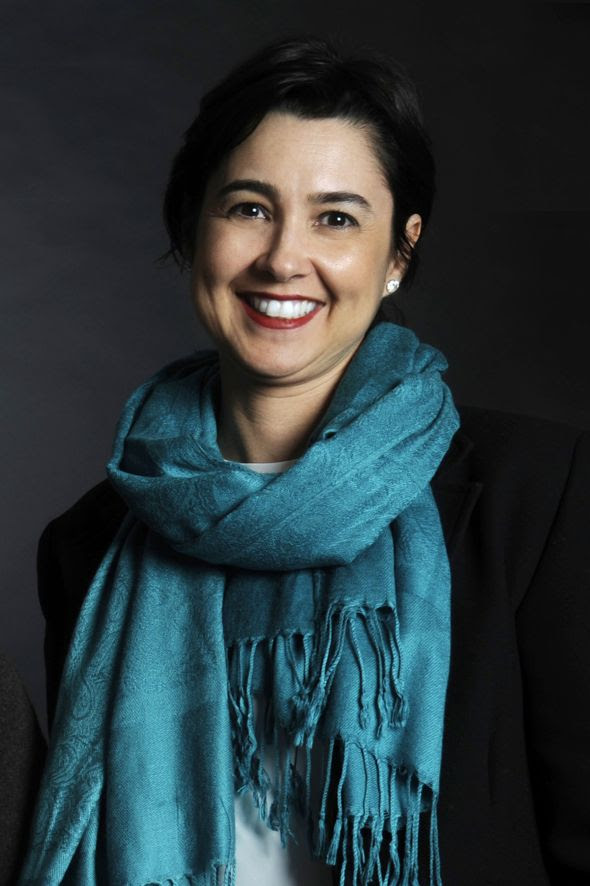 Profa. Dra. Simone Bambini