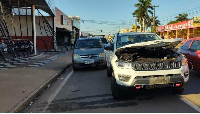 Jeep avaliado em R$ 122 mil ficou destruído