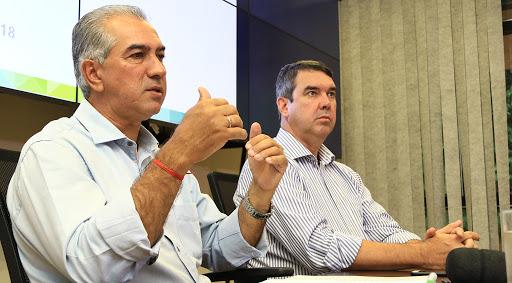 O governador Reinaldo Azambuja e Riedel