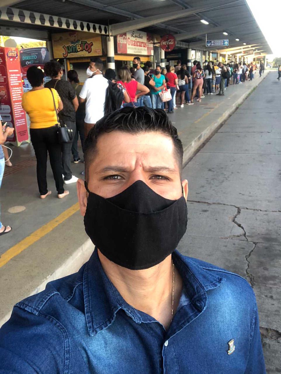 Vereador Tiago Vargas fiscalizou o terminal Guaicurus, onde identificou  excesso de lotação