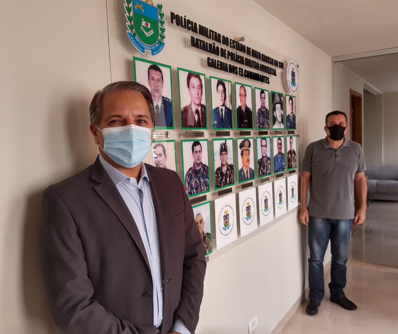 Coronel Davi e Cronel Castro ex-comandantes homenageados