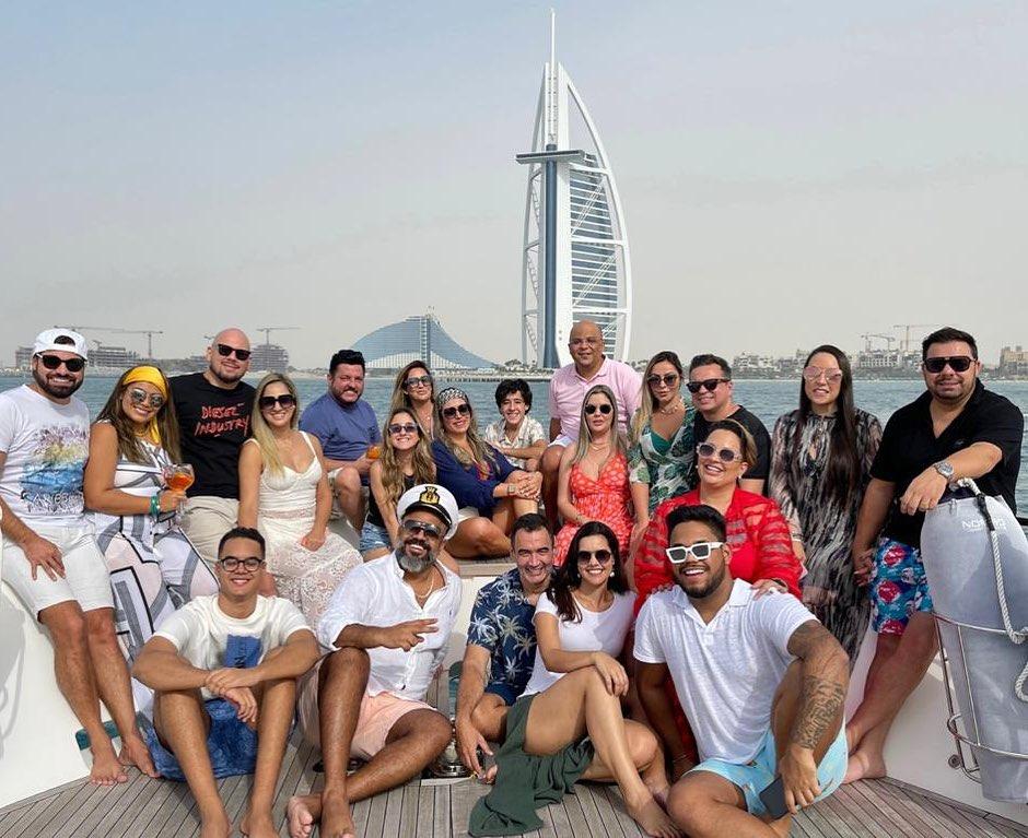 Aglomeração em Hiate de luxo de Dubaiano