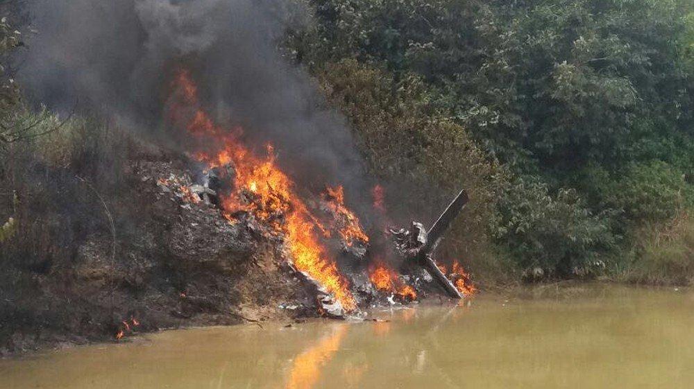 De acordo o delegado Vicente Gomes, superintendente regional da Polícia Civil no Tapajós, três pessoas estavam dentro da aeronave e morreram na explosão no momento da queda.