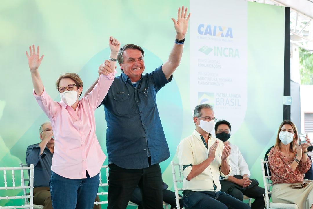 Jair Bolsonaro e a ministra Tereza Cristina.