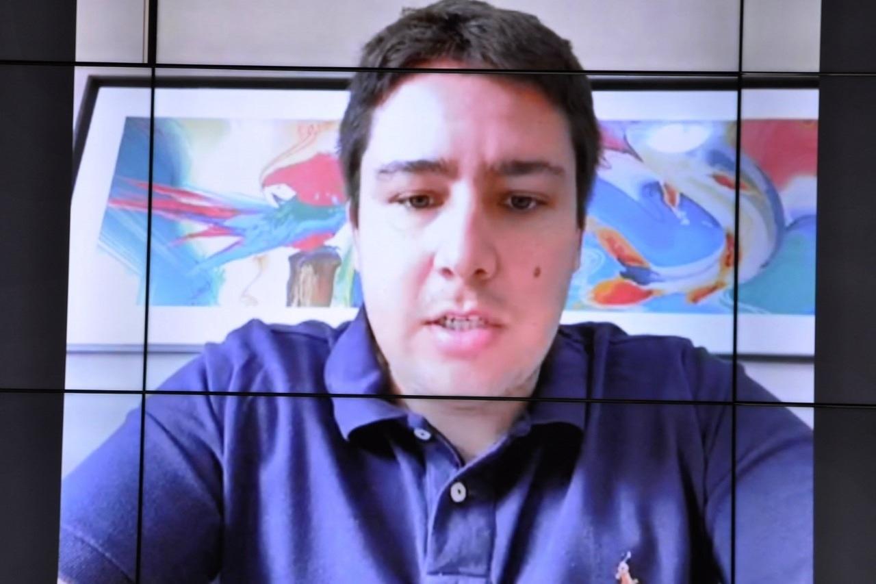Esse é o deputado João Henrique (PR).