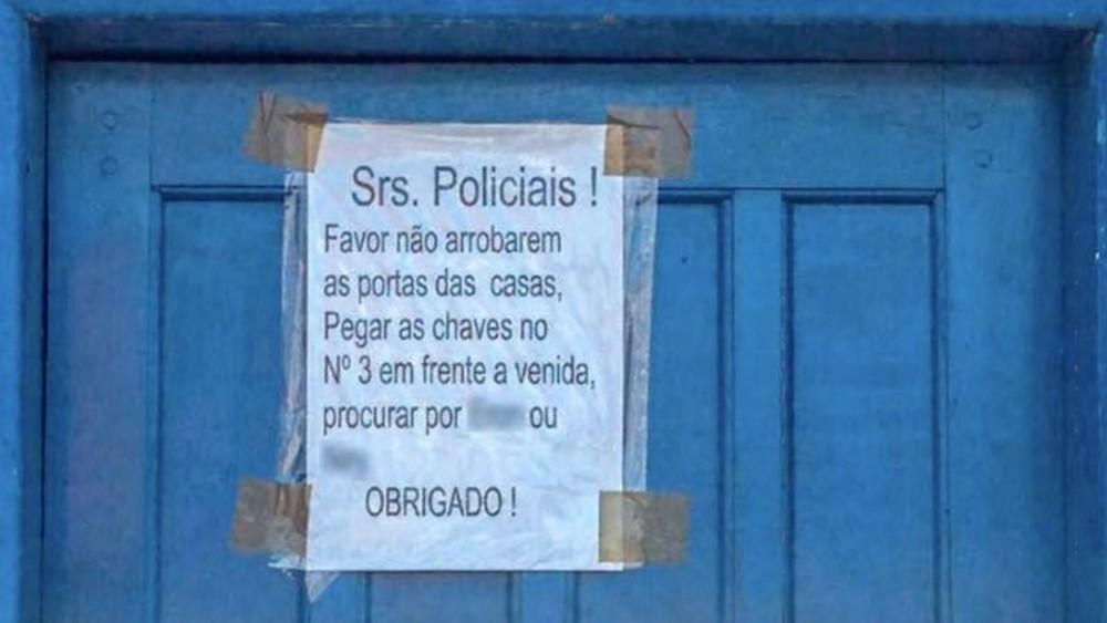 Moradores de favelas do Rio relatam diversos casos de invasões de casas por policiais