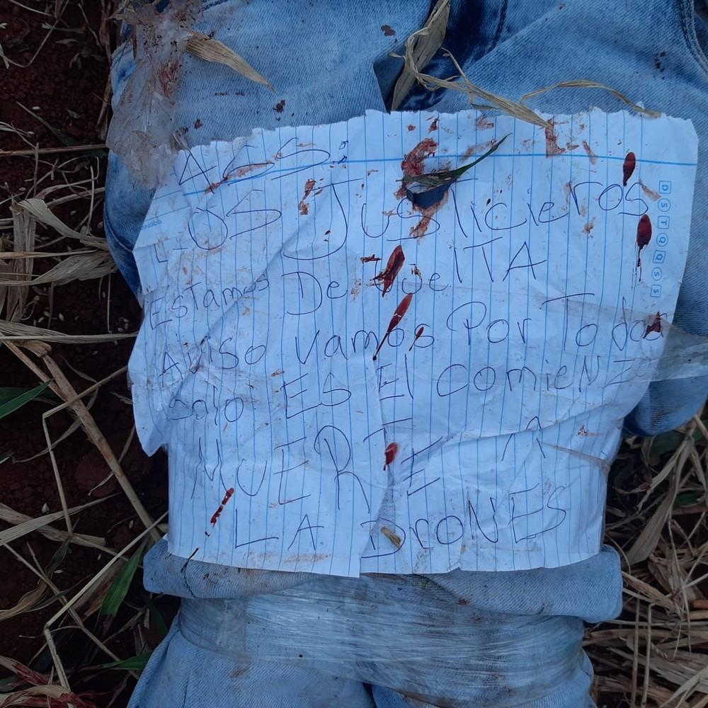 Bilhete deixado junto ao corpo do adolescente.