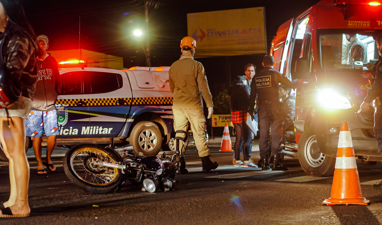Moto caída na pista pertence a vítima fatal.