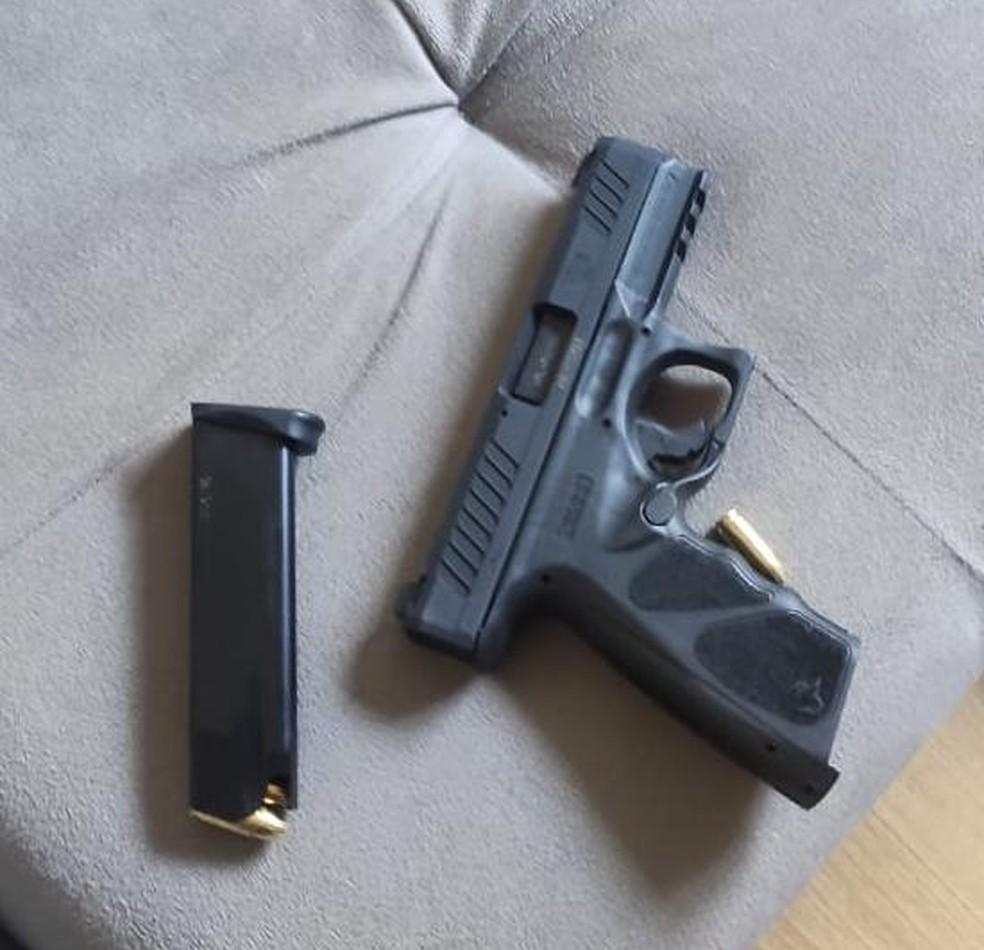 Arma utilizada pelo garoto.