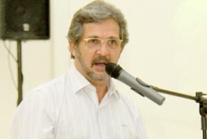 Prefeito de Chapadão do Sul consegue liminar e volta ao cargo - MS Notícias