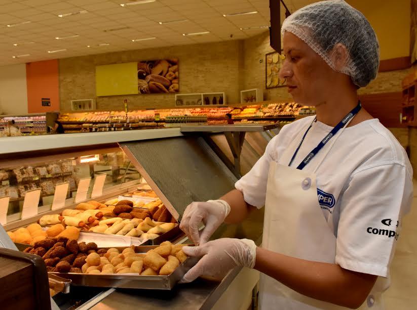 94ca1e9d7c99a Supermercado aposta na segurança dos funcionários para evitar acidentes