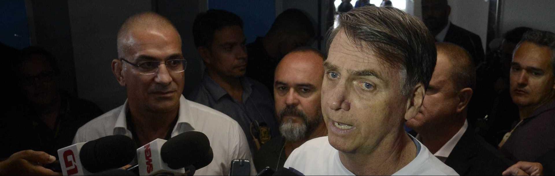 Bolsonaro pede apoio de prefeituras e diz que alguns prefeitos fogem da responsabilidade