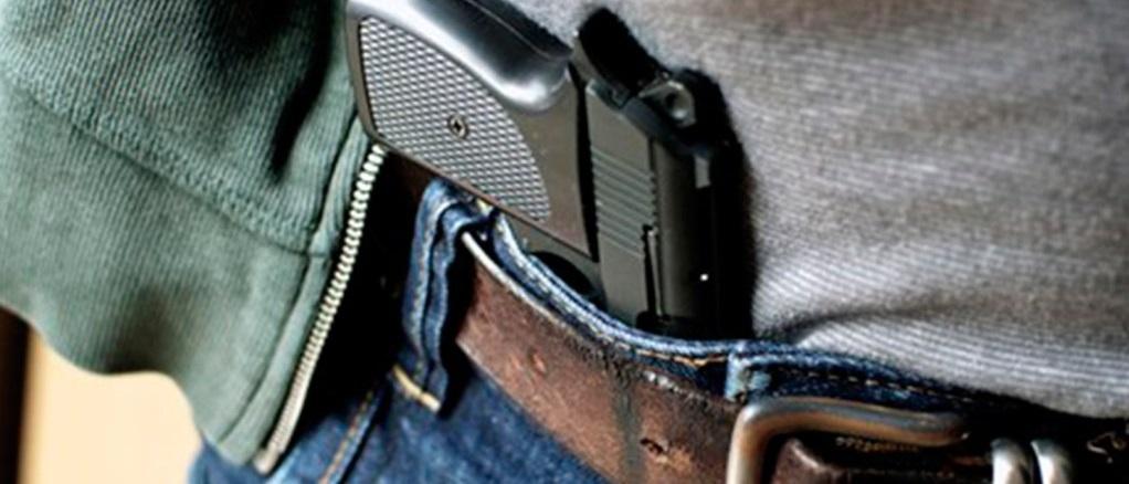 Após flexibilização da posse, bancada da bala quer facilitar o porte de armas
