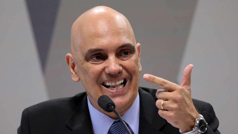 Bolsonaro chama de 'canetada' decisão de Moraes contra Ramagem na ...